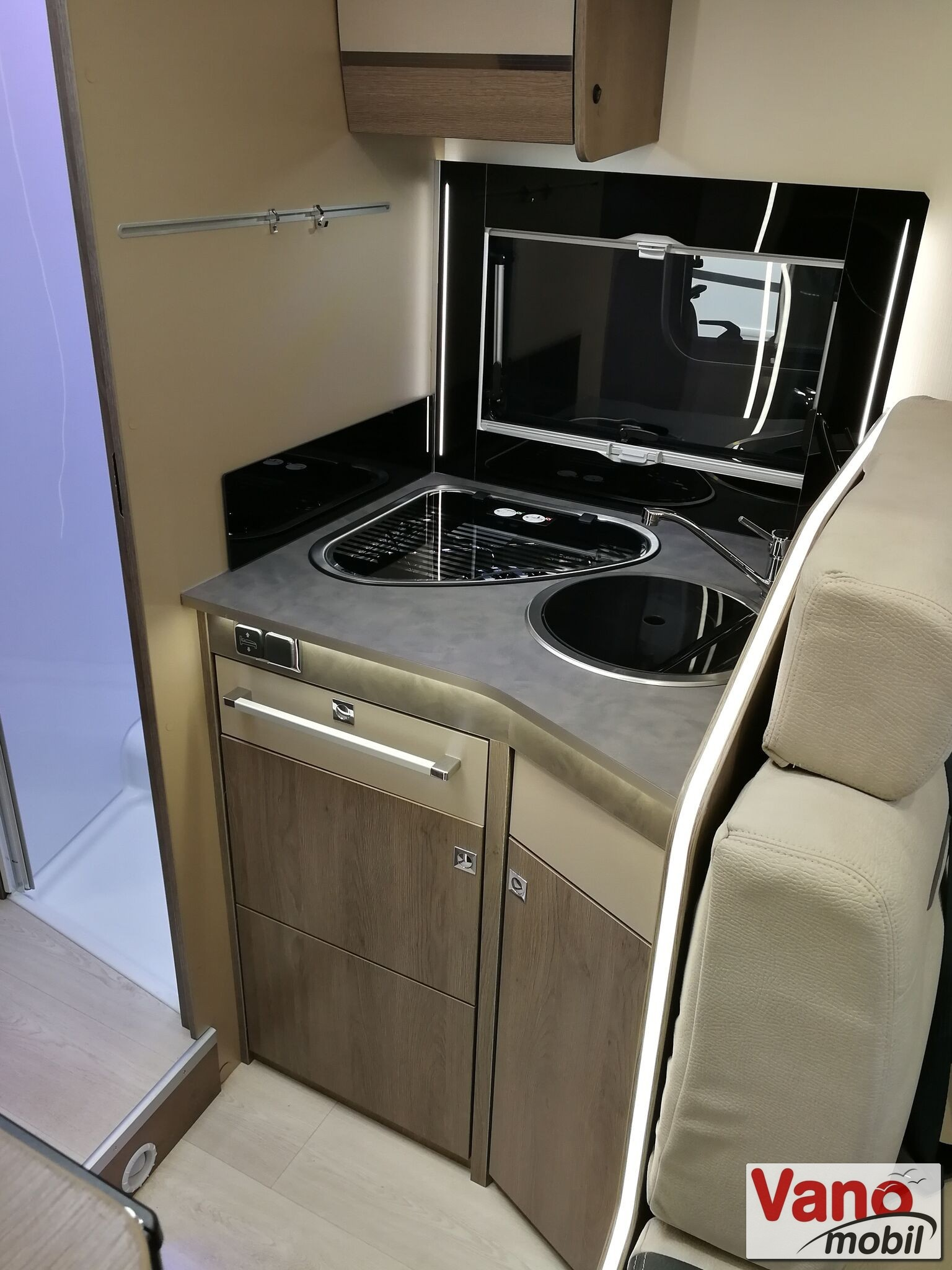 Chausson - Titanium 758 Ford 170 Automatic - 6